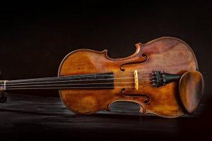 Geige sehr alt spielen